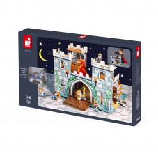 chateau  de chevalier en maquette carton et bois